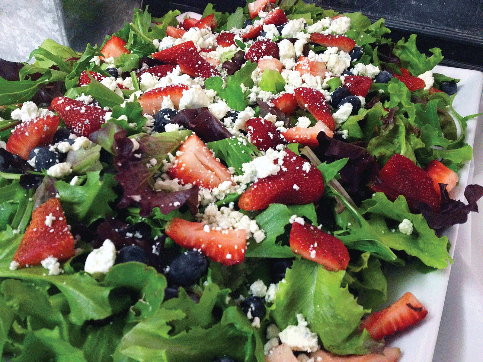 Strawberry & goatcheese salad